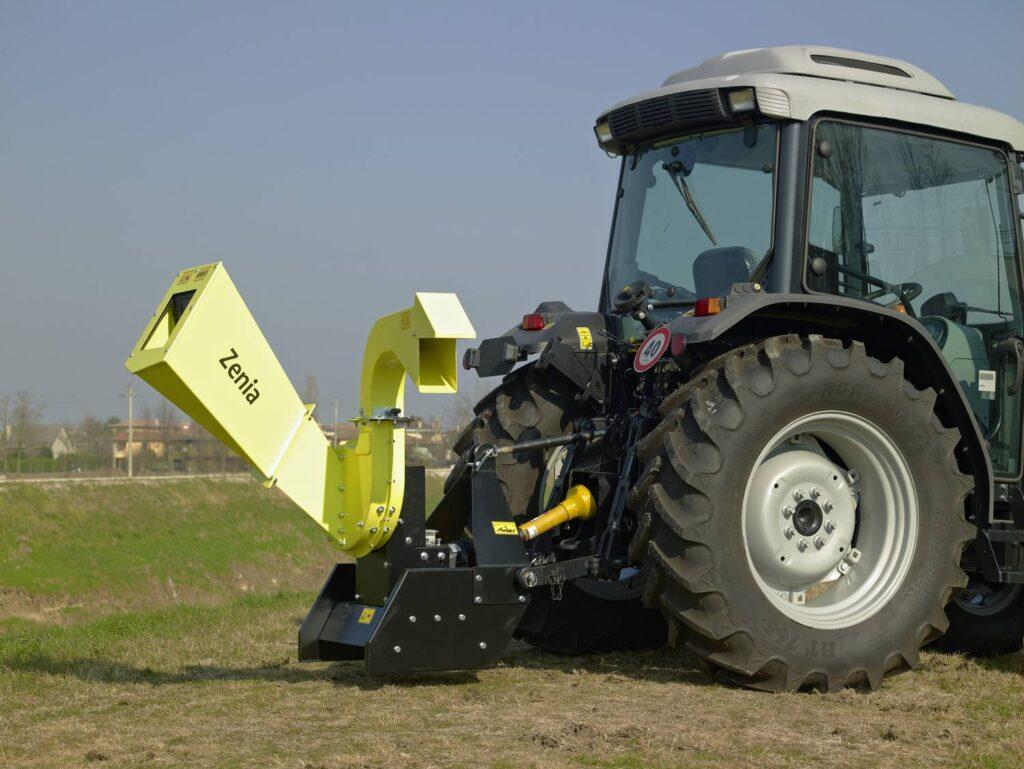Chipper Zenia trattore scarico standard