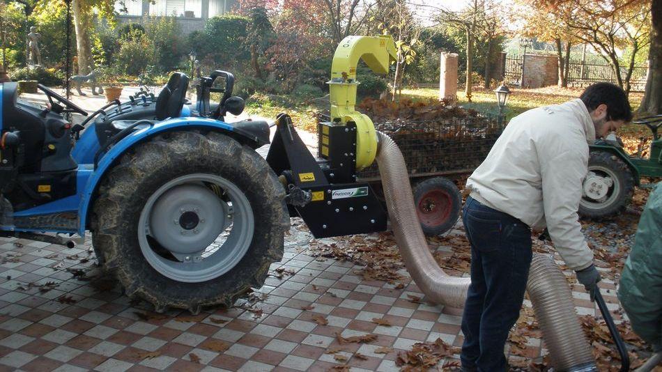 utilizzi reali olysse aspirafoglie da sponda agrinova macchine agricoltura giardinaggio 5